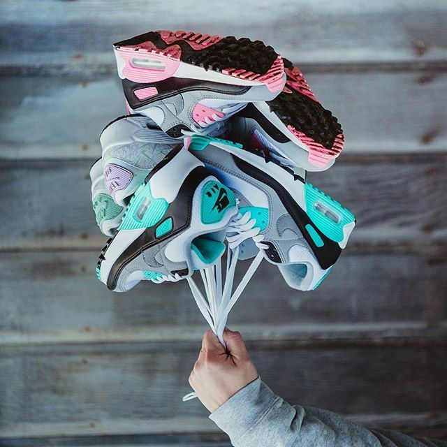 nikeair, Social Media Search #Visualized | TheVisualizED