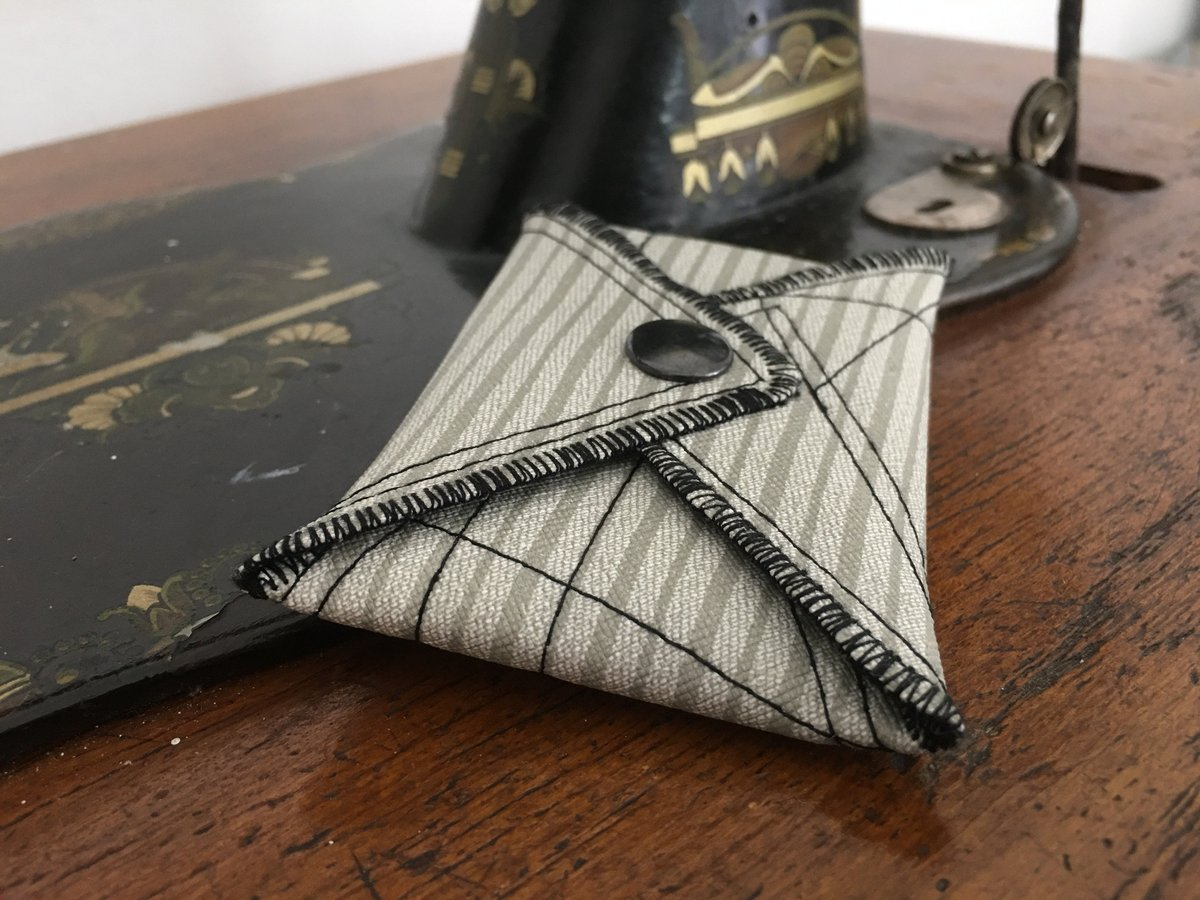 Excited to share the latest addition to my #etsy shop: Cute Purse, Handmade Personalized Purse, Plaid, Vegan Friendly, Vegan Leather, Leather Purse, MakeUp Bag, Coin Purse, Cardholder, UNUSUAL https://etsy.me/39BuCAx #bagsandpurses #birthday #smallpurse #veganpurse pic.twitter.com/bWJ0yHgG52