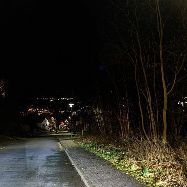 Straßenlaternen mit Blick auf Butzbach  #lampenmittwoch #lampswednesday #lamp #laterne #Butzbach #mitmeinenaugen #meindeutschland #travel_drops #hessen #deutschland #germany #hessentourismus #hessenüberrascht #goldenewetterau #wetterau #idylle #städtetri… https://ift.tt/2Q3iZuwpic.twitter.com/sj3npNuBzv