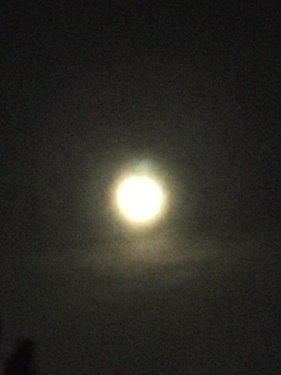 Gali mein aaj chand nikla 😍😍😍😍😍😍😍😍😍😍 #fullmoon #Selenophile #chand #Chandni #moonlight