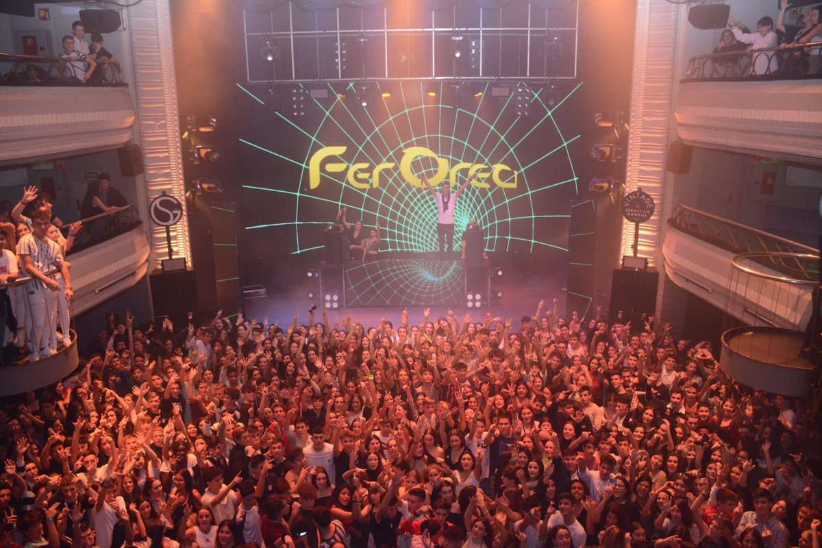 Hola Madrid!! 👋 @fer_orea te pone del revés!! 💣💥#DiseyMusic   #ExpertosEnHacerteBailar https://t.co/HnApFCQsoK