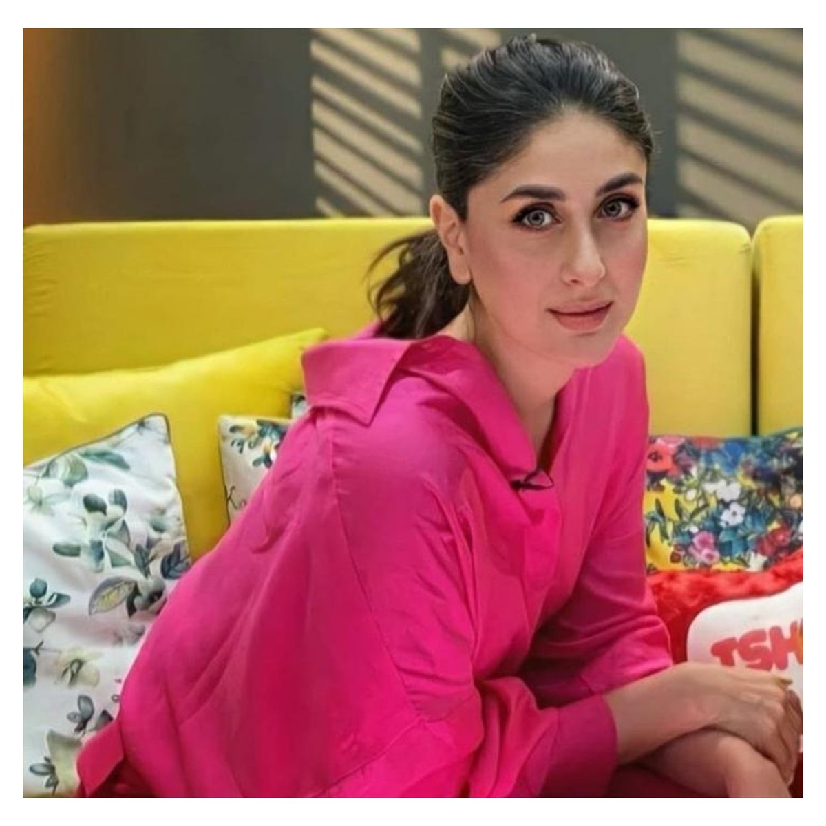 That eye glam is mind blowing💕 #SavleenManchanda for #KareenaKapoorKhan The murky lashes with soft smoky look on the blush foundation is such a classic🌸  #GlamLook #EyeLashes #Strut24x7
