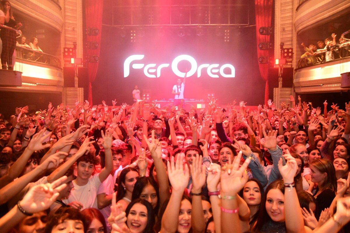 Así es una fiesta con nosotros!! ✌🏻🥳 #DiseyMusic   #ExpertosEnHacerteBailar https://t.co/GkVpyoyypK