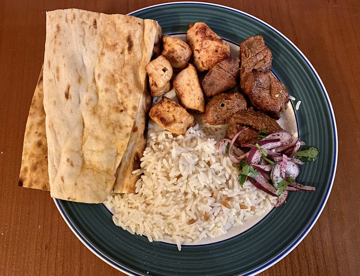 Takeaway Roulette winner tonight was Tas Firin in #Shoreditch. Great Turkish kebabs #FoodTweet pic.twitter.com/Q0WX0tASU6