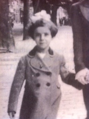 25 March 1932 | French Jewish girl Ida Grynszpan was born in Paris. She arrived at #Auschwitz on 20 August 1942 in a transport of 997 Jews deported from Drancy. She was among 897 people murdered in gas chambers after the selection.pic.twitter.com/QhDN2sPVjT