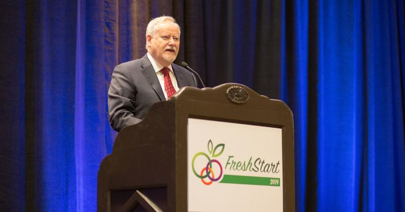 "Read about why United Fresh President Tom Stenzel says that it is ""a very dangerous time in the Foodservice sector""   https://t.co/RVyPeIgAWm https://t.co/nkyRSAxrH5"