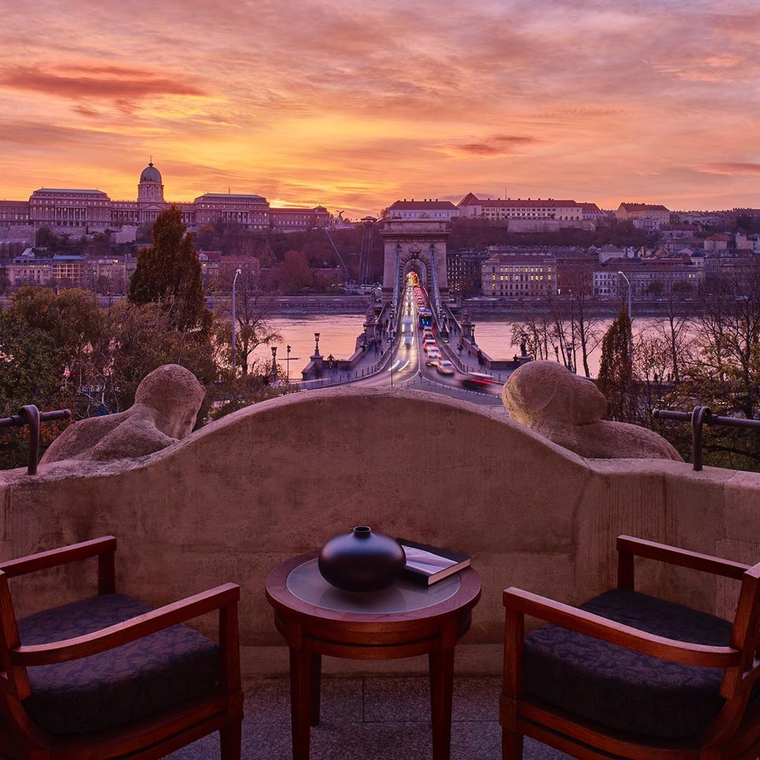Finding beauty in whatever is in front of us is more important than ever during times like these. We're thinking of everyone who shares our deep love of travel and in the upcoming weeks we'll be sharing our favourite photos of #FSBudapest to add positive inspiration to your feed. https://t.co/QUOpXqhzM5