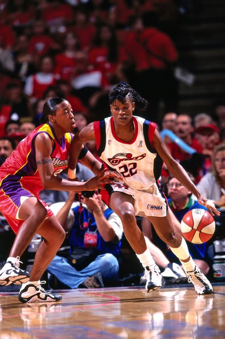 Happy Birthday to inductee and 3x WNBA MVP Sheryl Swoopes!     (