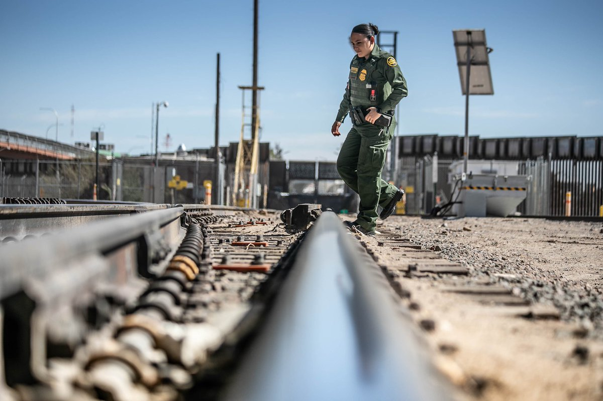 Our #USBP #ElPaso Sector Agents work in inclement weather, day or night, and wherever they are needed to secure the border. This #womenshistorymonth I salute the courage & honor of our women agents & their #servicetocountry #HonorFirst @CBPWestTexas<br>http://pic.twitter.com/WHfhDFnk1M