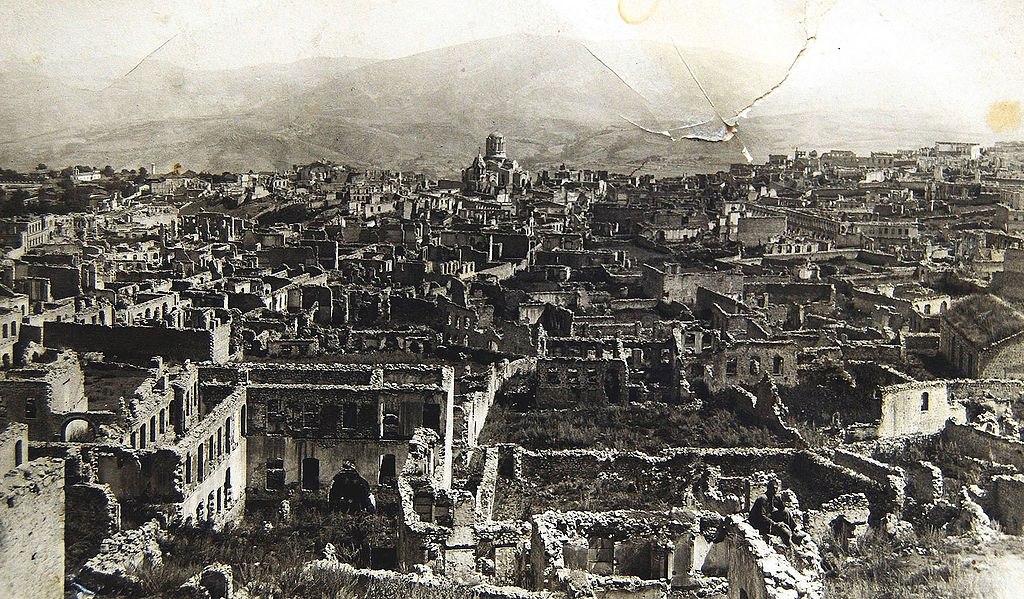 100 years ago #OnThisDays #Azerbaijan massacred #Shushi #Armenia|ns: •killing & expelling over 20,000 ppl, •destroying Armenian rich heritage, •keeping ruins for over 4 decades. #Armenophobia has deep roots in Azerbaijan, while #peace/stability require dialogue & justice.pic.twitter.com/5DfeIHASfT