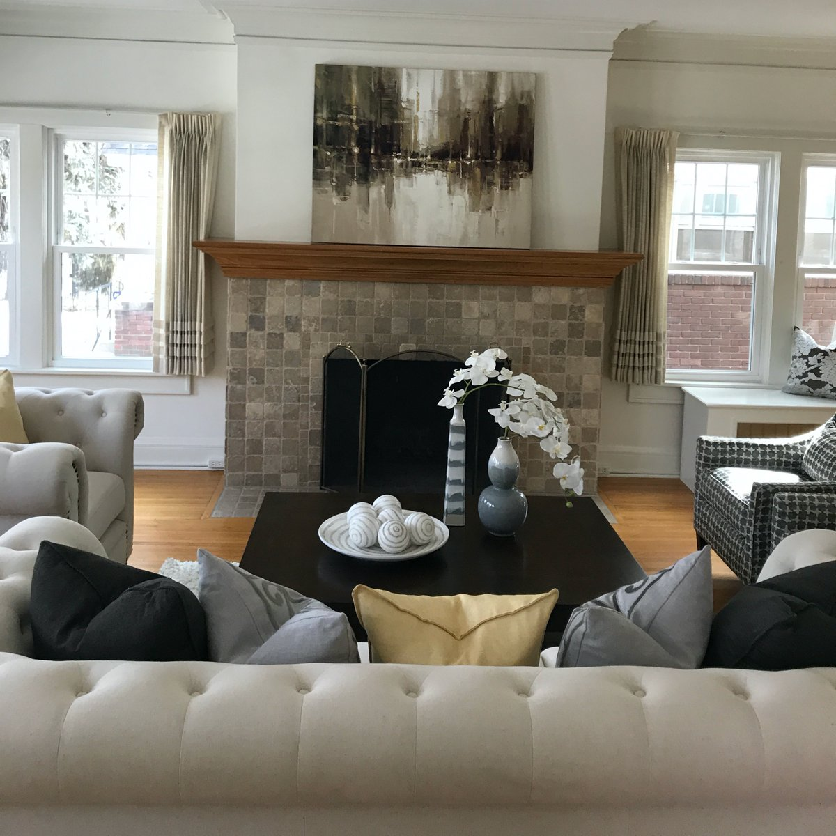 #cozy living in #Minneapolis.  #charming home built in 1922!  Close to Lake of the isles. #ForSale    2132 #Penn Ave. #Minnesota Home Staging helps to sell properties!   Contact us for details!   #homedecor #familytime #StayHomepic.twitter.com/pk8G4Bc2g0