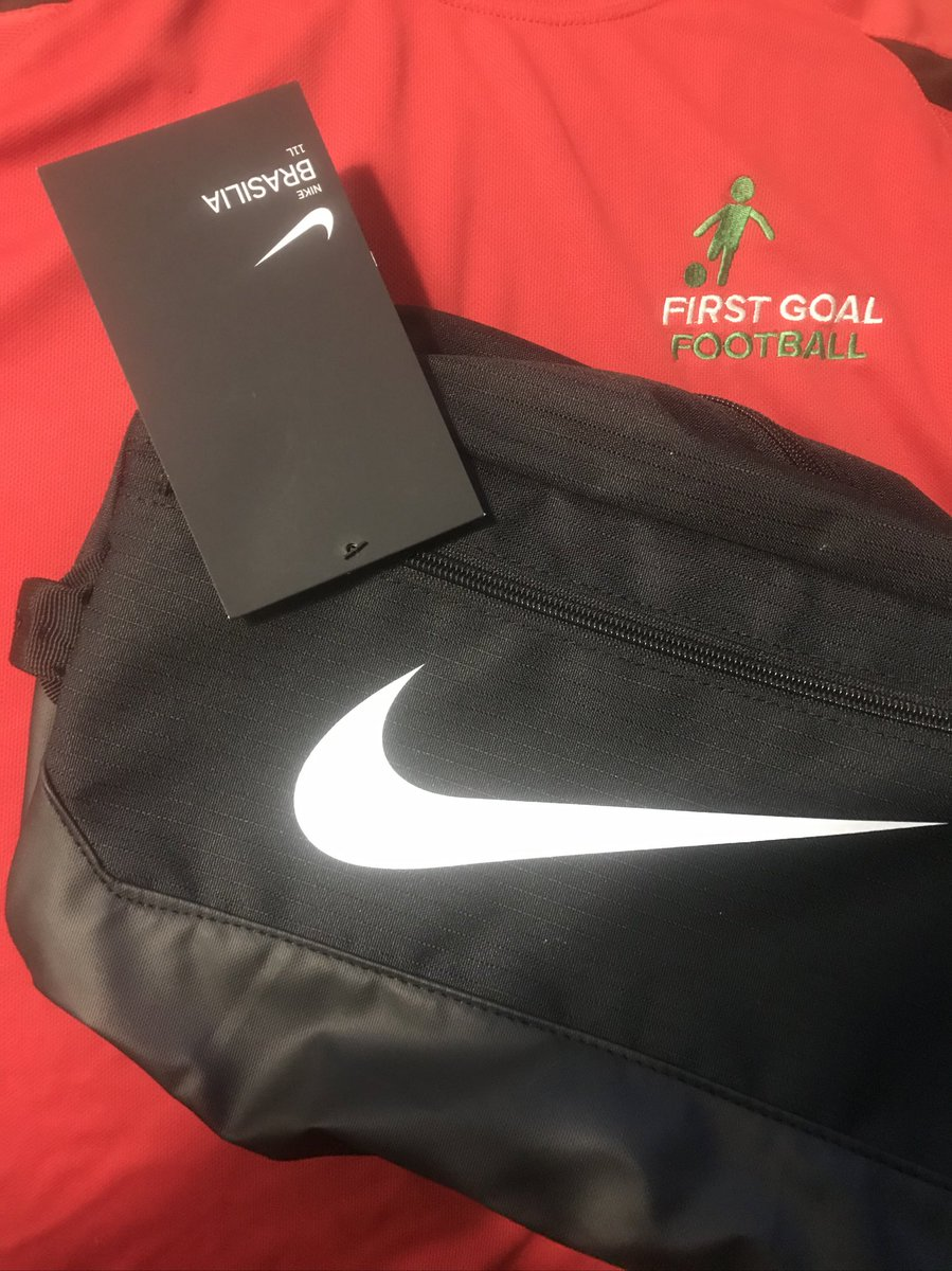 #FREE #PRIZE #GIVEAWAY  We are giving away a #Nike Boot Bag for free  To win and have posted to your door   ... . Follow us @FirstGoalFooty  . #Retweet this post  . Tag a friend in the comments  It's that easy  Draw on 28/03/2020 on Insta Live pic.twitter.com/aocwb2DZYI