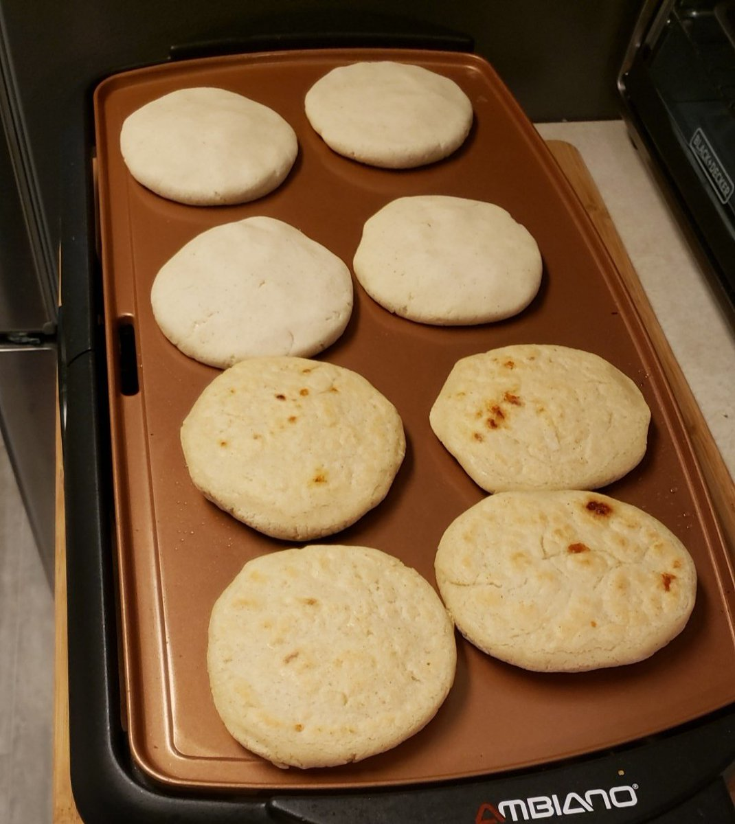 Ms.Ibar's griddle can make 8 pupusas at a time. If she needs to make 32 pupusas, how many times will she have to use the griddle? #SpiritWeek #MathMonday #ChangingLives @BucknellElempic.twitter.com/hnQhu855vK