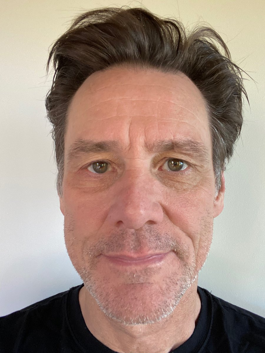 Day 1. I'm growing a beard until we all go back to work. I'll post reg pics so you can marvel at the miracle of my meaningless transformation. Normally, I try to stay on the cutting edge of entertainment. Now I shall conquer the uncutting edge. Please join me. #letsgrowtogether https://t.co/UaLQjwlGfh