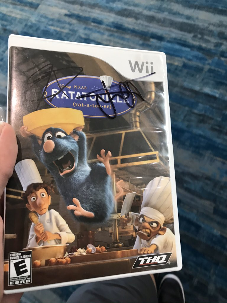 Thanks for signing my copy of ratatouille for the Wii. It's my prized possessionpic.twitter.com/RtTWqN5Xdw
