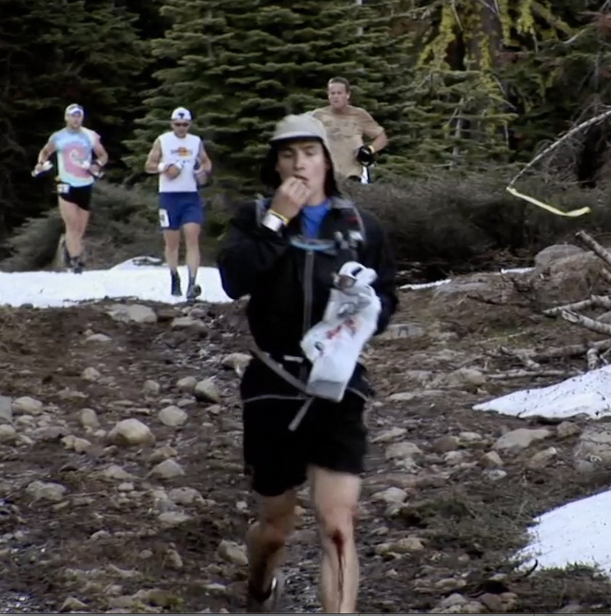 @UltraRunnerPod @00joeuhan I have a screen shot. I also had a top-of-the-line Safeway bag for my camera and food.