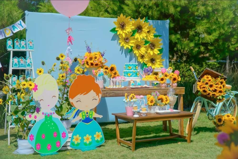 Don't miss this delightful Frozen Fever birthday party ! The dessert table is so pretty! https://buff.ly/2QDgrn4 #catchmyparty #partyideas #frozen #frozenparty #girlbirthdayparty #frozenfeverpic.twitter.com/quRs9GhpEI