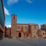 Image for the Tweet beginning: Alcorcón cierra los cementerios y