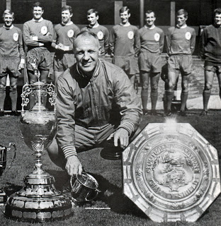 SHANKS. The Man who put us on the map. #manager #Legendpic.twitter.com/hH8yNuEsVa