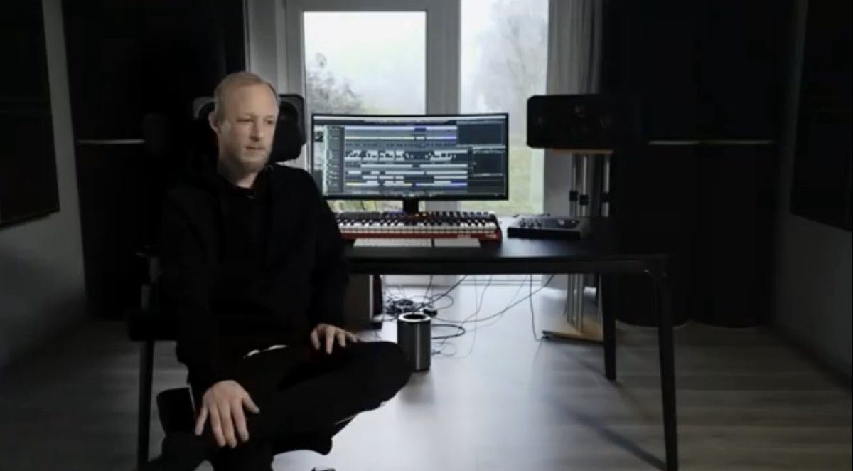 Tech Talk: In the box with Boris Brejcha  (Telekom Electronic Beats) __ #techtalk #electronicbeats #tv  https://youtu.be/cBV0hKc-iOw pic.twitter.com/GmDF5gMgcx