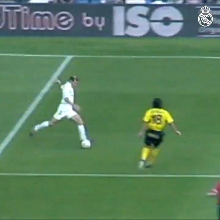 👌 The other goals weren't bad on @Ronaldo's debut either! 🔥 #Zidane 😎 @LuisFigo (x2) #RMFansEnCasa   #StayHome