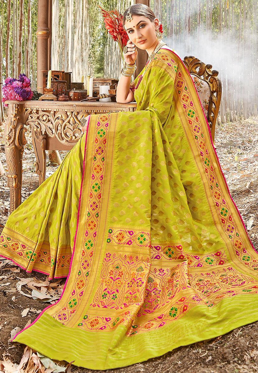 Wouldn't this Uppada Silk saree in the gorgeous shade of green make for the prettiest springtime wedding look?!   Item code: SSF11340  #green #lime #lightgreen #uppada #silksarees #southindianweddings #southindianfashion #spring #salepic.twitter.com/zgSWf9aZ0F