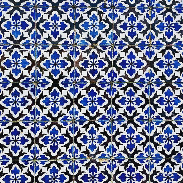 #Portugal a #Tile #Country #VisitPortugal #VisitLisboa after #Covid19 #Quarentine  #Lisboa #Porto #Coimbra #Setubal #Aveiro #Sintra #Tomar #Guimaraes #Evora  #Braga #Funchal and so on https://ift.tt/3aheuEJpic.twitter.com/q5cNMvxN7Y