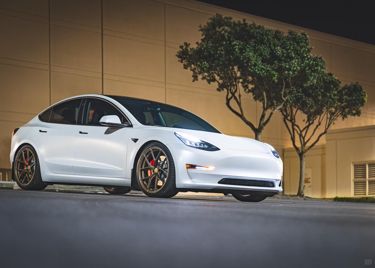Gordon's M3P lowered on MPP Comfort AWD Coilovers. Fulfillment times on coilover orders are better than ever, and RWD Sports/Comfort are finally in stock!   #mountainpassperformance #model3performance #model3 #tesla #lowered #suspension #titan7 #coilovers #suspensionpic.twitter.com/96G0cnIlDJ