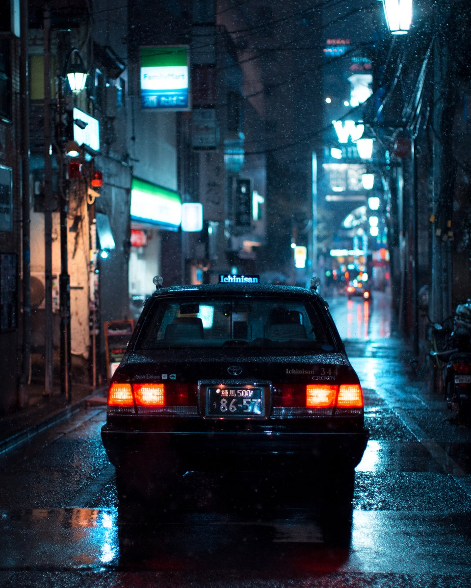 Midnight Drive / posted @ instagram.com/liamwong