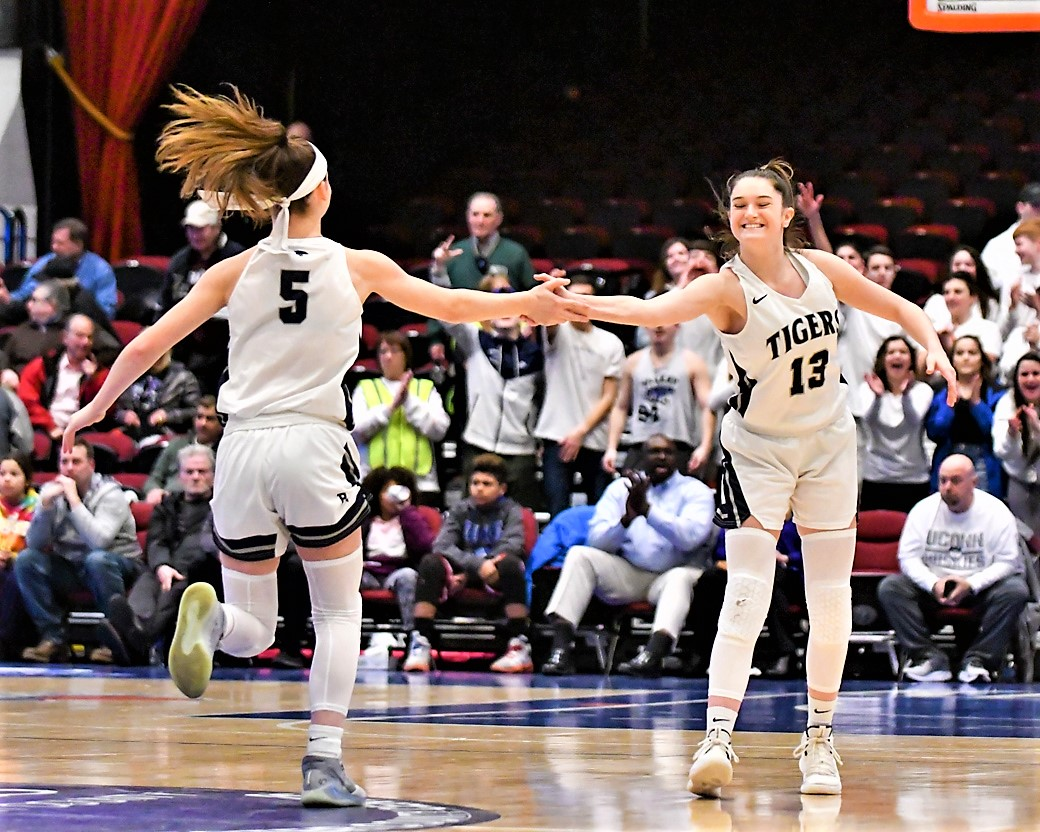 STORY: The Putnam Valley and Millbrook girls basketball teams lament the cancellation of the rest of the state tournament. @erin_fox2 @BlazerGBball @EvaDeChent1221 @PvVarsity @PVAthletics1 @Coach_KDini  https://t.co/8esxyeARHk https://t.co/MYXVqgNJTb