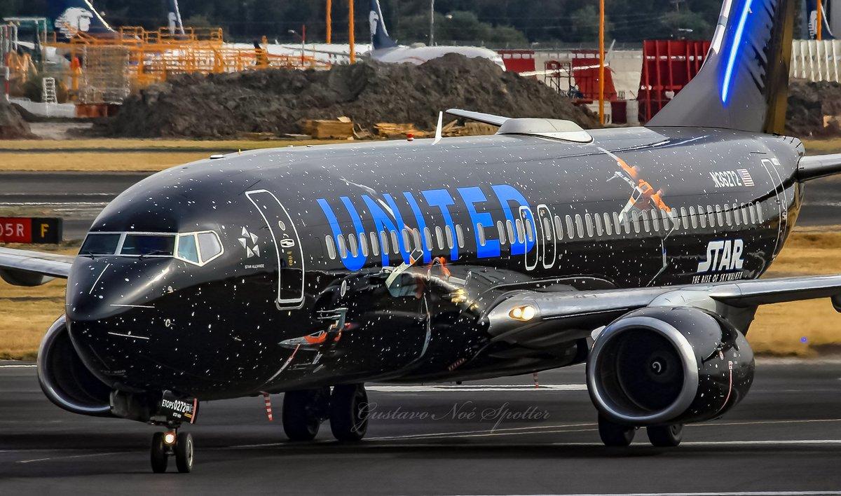 El lado no oscuro de la fuerza!! @united ( Starwars - The rise of Skywalker Livery ) B737-824 N36272 #united #starwars #theriseofskywalker #boeing #b737 #aviation #planespotting #spotting #avgeek #aviation #megaplane #megaaviation #megaairplane #aviationphotography #aviationlifepic.twitter.com/3mDH4s1RoV
