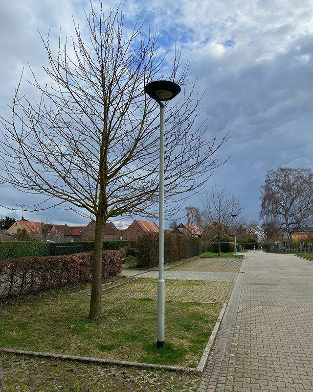 Straßenlaternen in Pohl-Göns  #lampenmittwoch #lampswednesday #lamp #laterne #pohlgöns #mitmeinenaugen #meindeutschland #travel_drops #hessen #deutschland #germany #hessentourismus #hessenüberrascht #goldenewetterau #wetterau #idylle #städtetrip #voyaged… https://ift.tt/39giTX5pic.twitter.com/tTkBSGyyg0