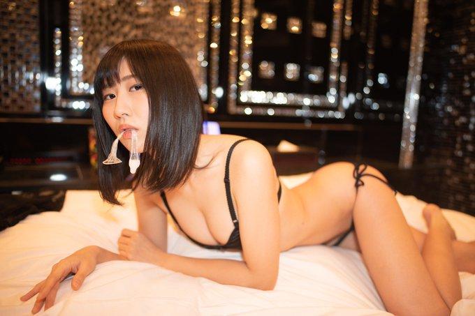 グラビアアイドル美東澪のTwitter自撮りエロ画像60