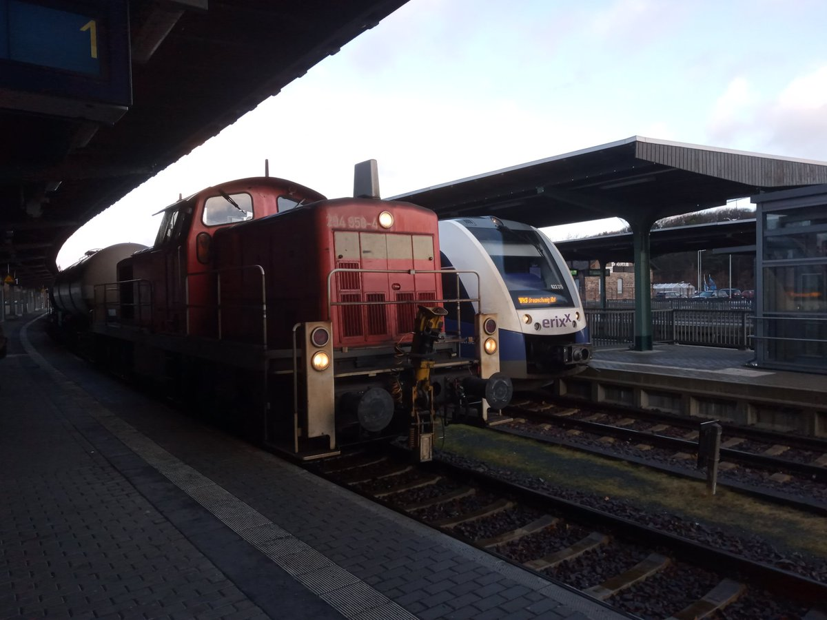 Travels with my camera via @erixxinfo and @DB_Bahn to #Köln  pic.twitter.com/hvY9TocsSu