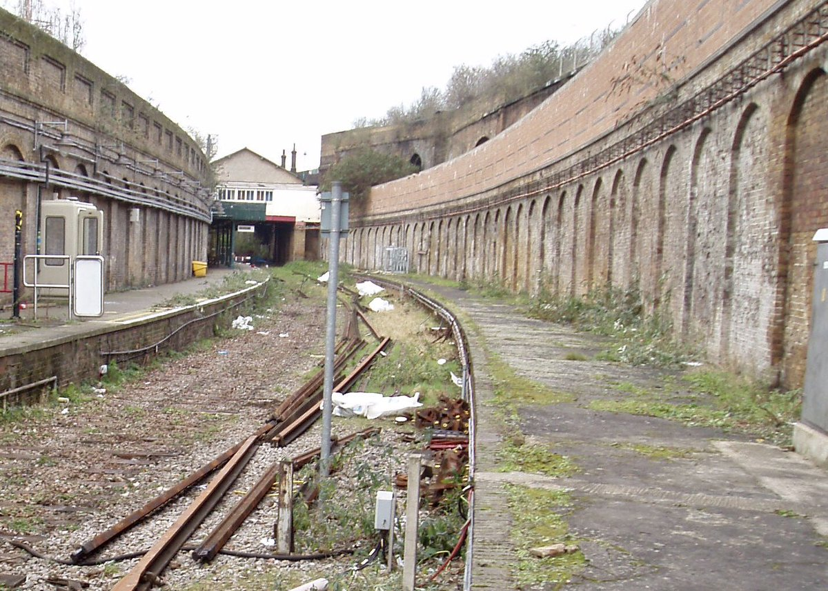 ET9G2q XgAAGbWa - The East London Line: Ten years on...