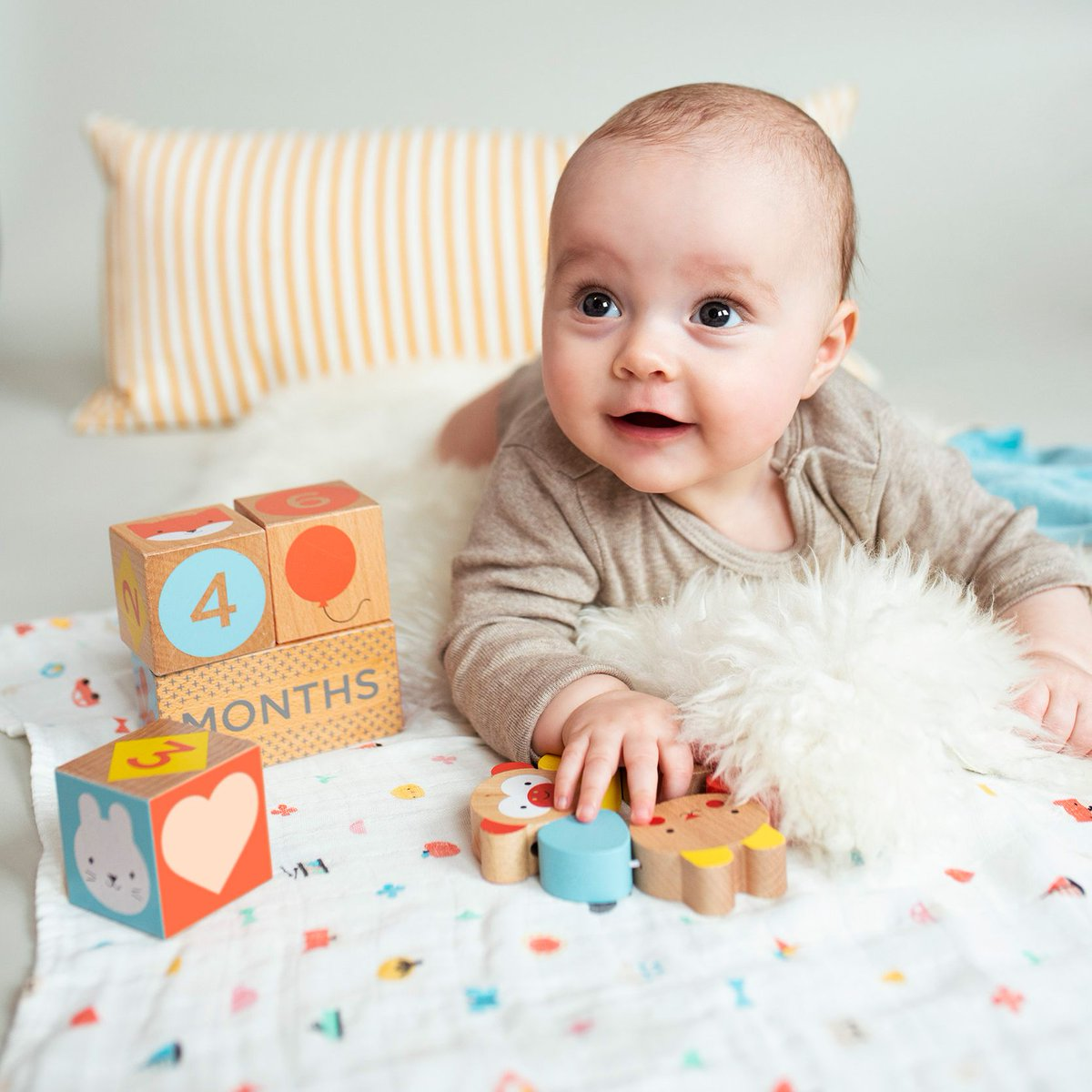 Today I'm this old! Commemorate the milestones of your growing child with these eco-friendly Wooden Baby Milestone Blocks from @petitcollage! : https://bit.ly/3bonFDi  : https://bit.ly/2vKMOccpic.twitter.com/jGQeMYPcU0