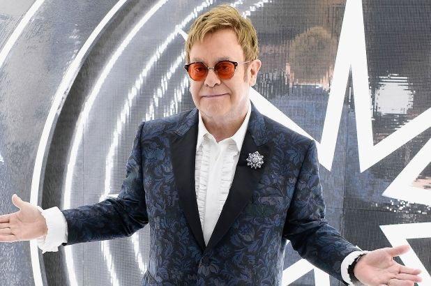 Sir Elton John 73 Ya  nda!  Happy Birthday Sir   Favori Elton John ark n z hangisi?