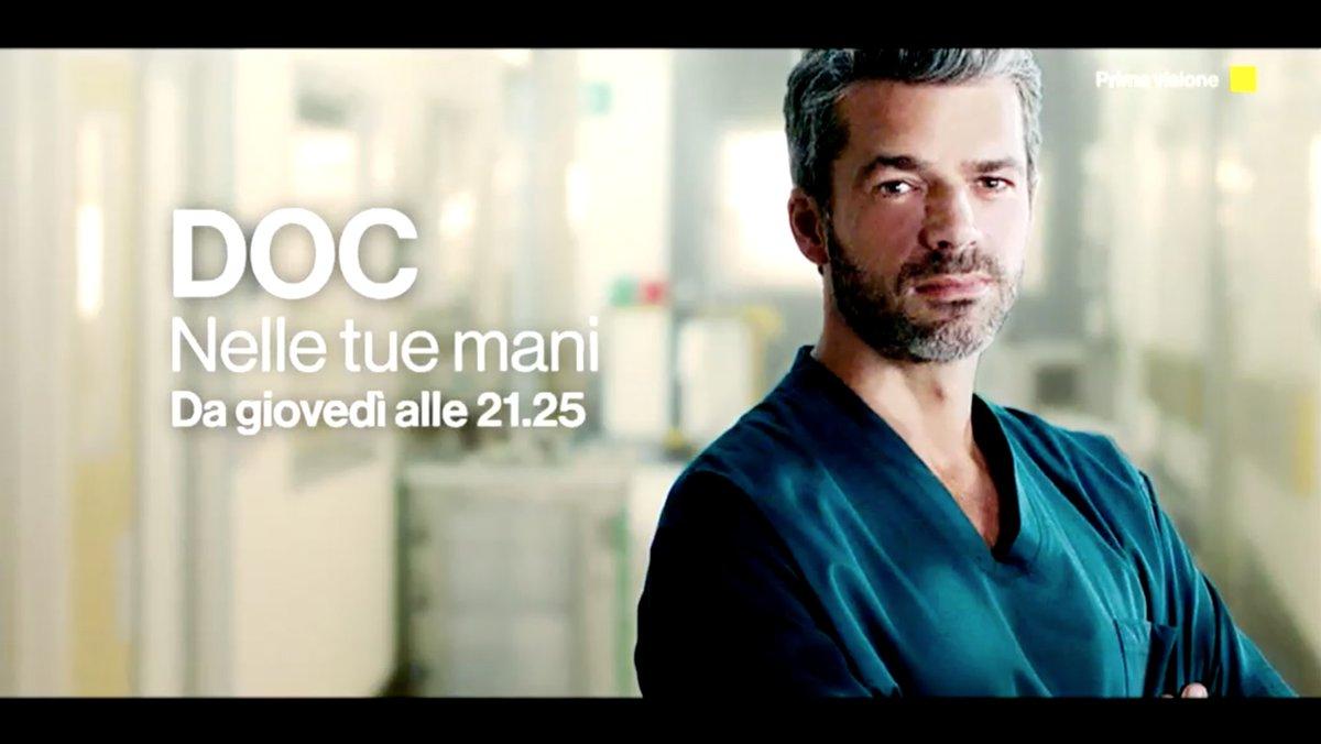 """""""Sei un medico strano, lo sai?"""" #DocNelleTueMani da DOMANI #26 marzo in prima visione su #Rai1 @Lucaargentero @DocNelleTueMani"""