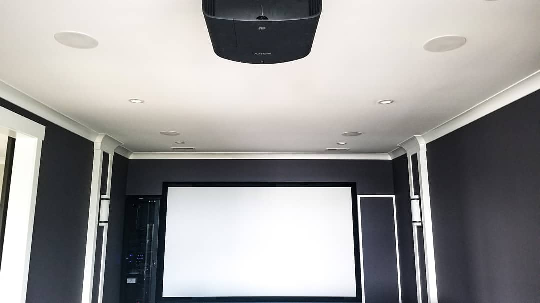 What a @SonyElectronics home theater! Huge screen and a rack full of entertainment sources. Stop by our showroom to experience the theater you can have! @elanhomesystems  #audiovisual #audiovideo #avinstall #av #avrack #homeautomation #hometheater #elanhomesysyems #surroundsoundpic.twitter.com/g27C5tpA8q