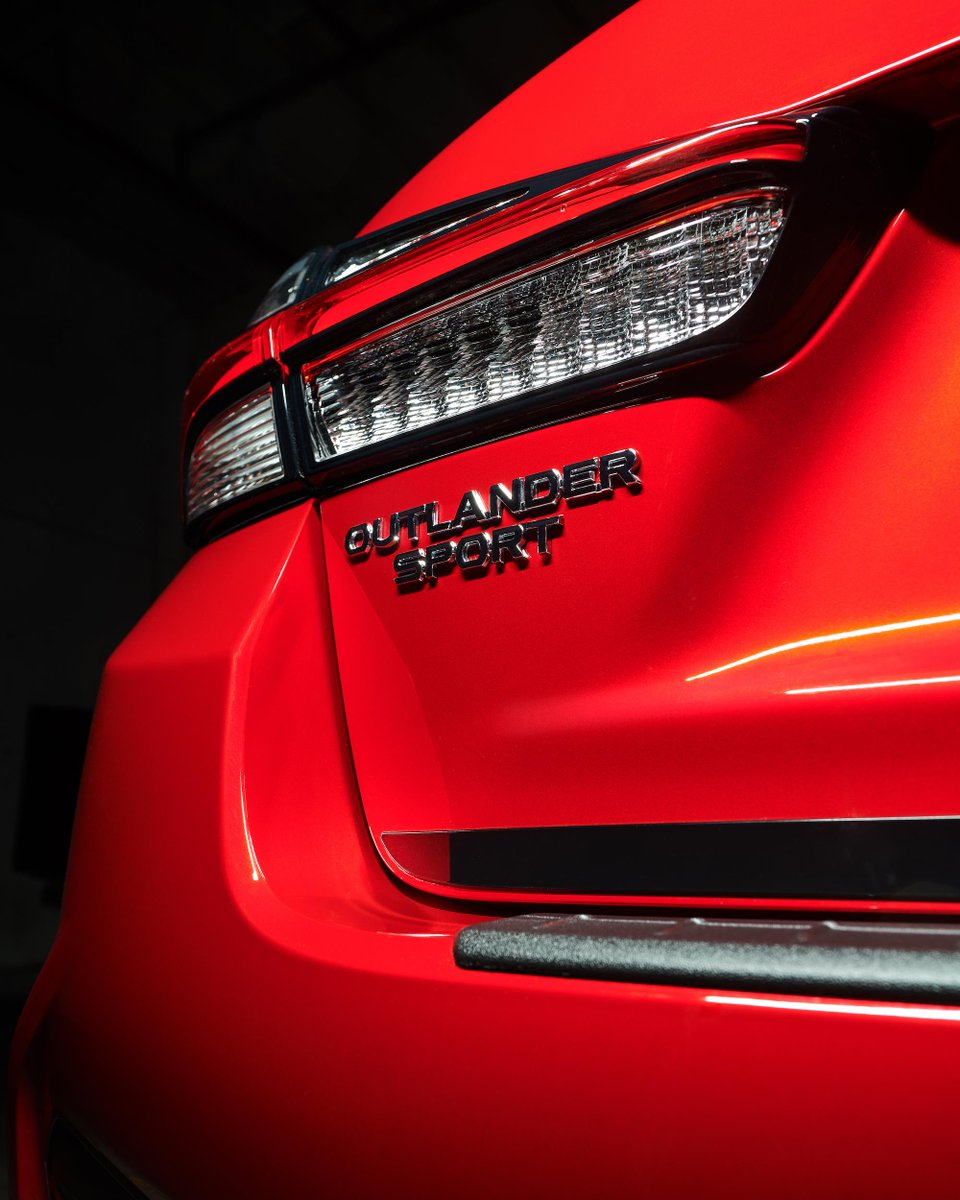 Act with authority. #OutlanderSportBlackEdition.
