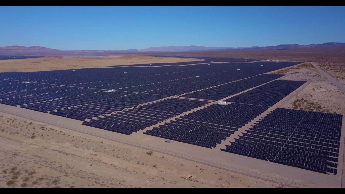 "New upload - ""Huge Solar Farm outside of Las Vegas""  Watch Now: https://youtu.be/VVKB5b9lN4o  #SolarFarm #SolarField #Solar #SolarPanel #SolarInspection #Drone #AerialPhotography #AerialInspection #Vegas #LasVegas  (Posted via http://TubeBuddy.com)pic.twitter.com/GbPCQ6oxIw"