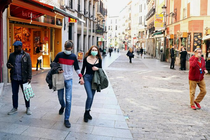 Madrid region orders shutdown of bars, shops except supermarkets, chemists: reports