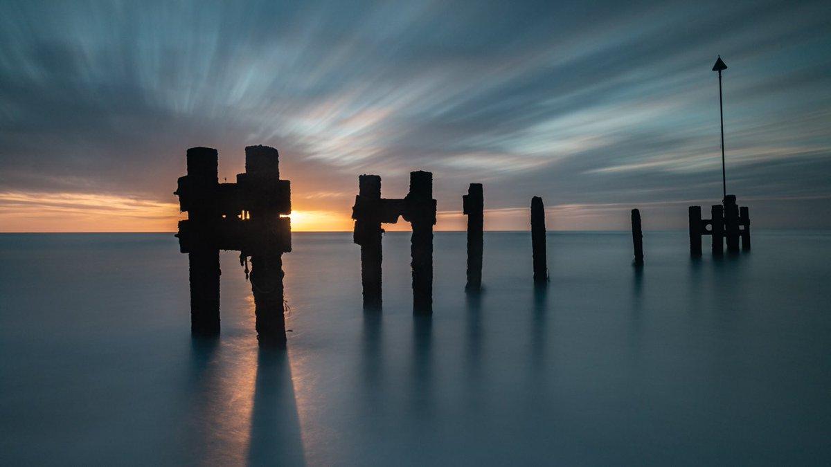 Allurement  Bawdsey, Suffolk   #suffolk #bawdsey #sunrise #nature #longexposure #leefilter #seascape #smooth  #fs_longexpo #longexposureoftheday #ic_longexpo #longexposurephotography #dream_image #longexpohunter #amazing_longexpo #liveforthestory #photooftheday #shotofthedaypic.twitter.com/SY57rymGbr