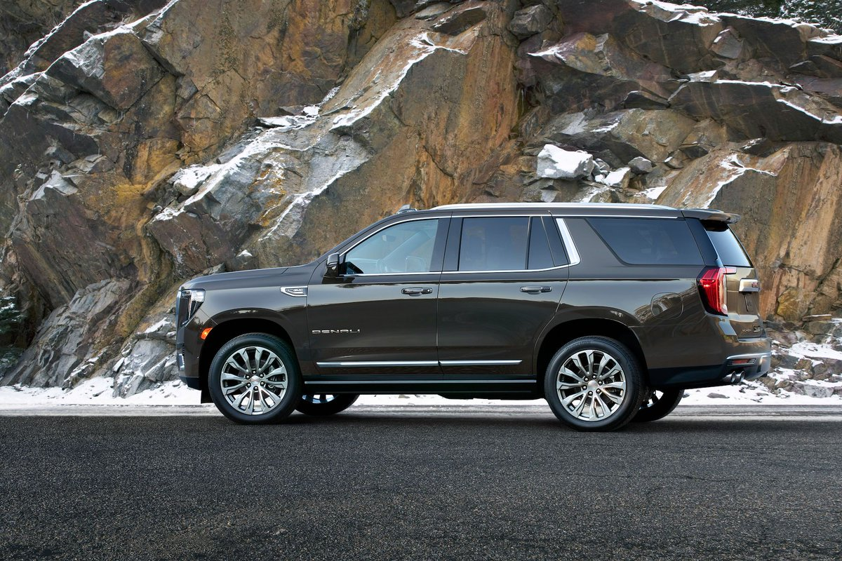 Car And Driver On Twitter New 2021 Gmc Yukon Yukon Xl Get At4 Off Road Trim And A Diesel Engine Https T Co Cbkcn4vqj8