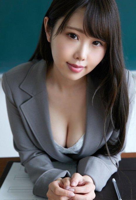 グラビアアイドル麻倉ひな子のTwitter自撮りエロ画像15