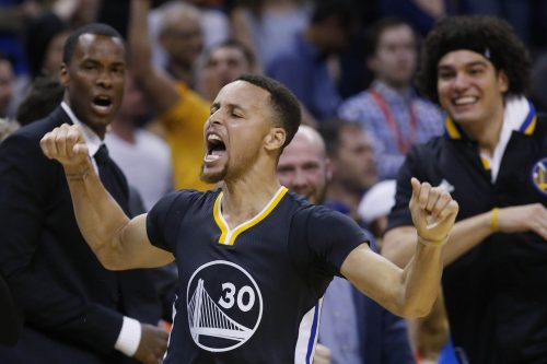 [happy birthday] Le meilleur de l historique saison 2015-2016 de Stephen Curry