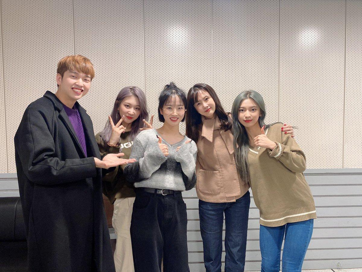 박소현의 러브게임에서 박소현 선배님, 유재필 선배님과 너무 행복한 시간이었습니다💕 우리 아이들도 즐거운 토요일 저녁 되길 바라요😀 #3YE #써드아이 #QUEEN #박소현의_러브게임