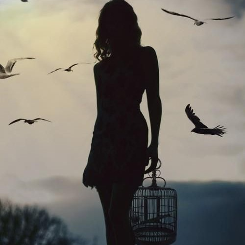 Telling the truth may shatter you for a moment but the #Truth❤️will set you free. Remove the mask of the deceptive person and save the innocence. of another.  Always walk in love and light and tell the truth even if it hurts. #SaturdayThoughts #quotes #freedom https://t.co/6nGq5XCumd
