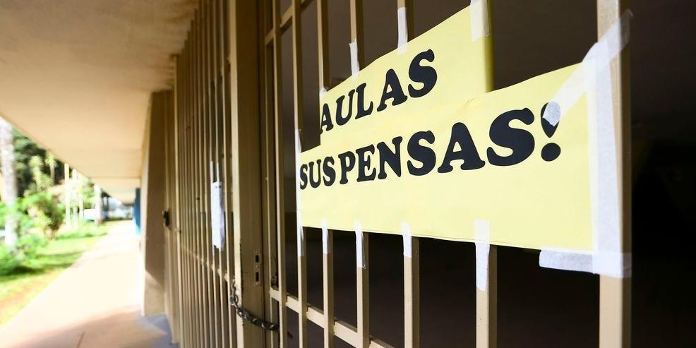 """Rádio Guaíba on Twitter: """"Instituto Federal do Rio Grande do Sul suspende  aulas até dia 21 - https://t.co/BgFJn6mUJh… """""""
