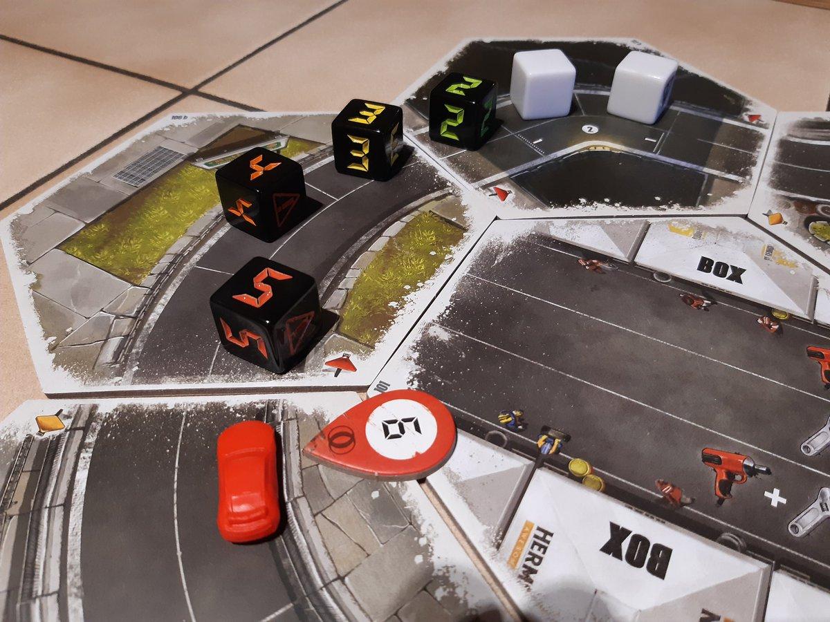 MsStandarts Spieletag - Spiel 1: #RallymanGT !! Wer braucht da schon die #Formel1 ? #Brettspiele #boardgamespic.twitter.com/UwuSljIshB
